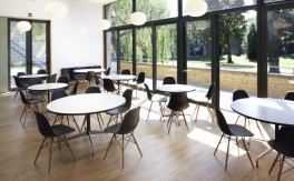 Tisch - Vitra - Contract Table