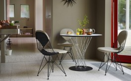 Tisch - Vitra - Dining Table