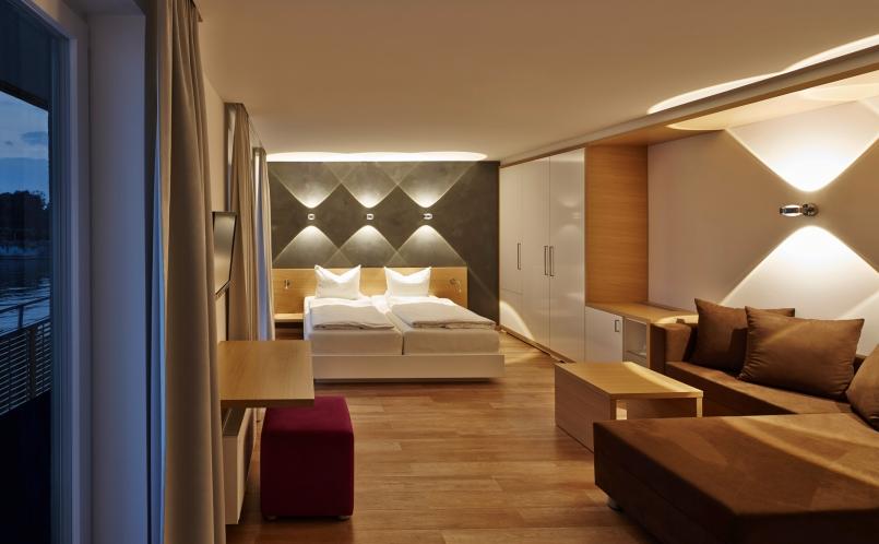 wandleuchte sento verticale occhio marcus hansen m nchen. Black Bedroom Furniture Sets. Home Design Ideas