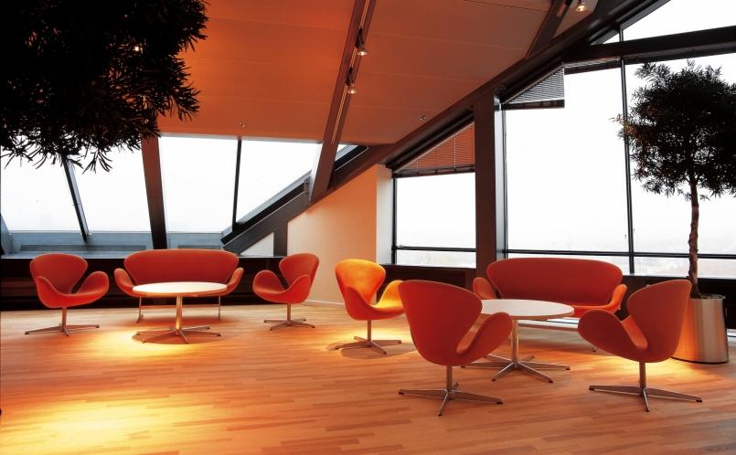 sessel der schwan fritz hansen marcus hansen m nchen. Black Bedroom Furniture Sets. Home Design Ideas