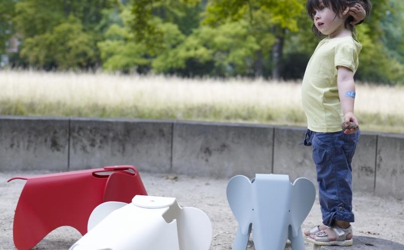 Elephant Kinderstoel Vitra : Vitra kinderstuhl panton junior kinderstuhl vitra d corer un