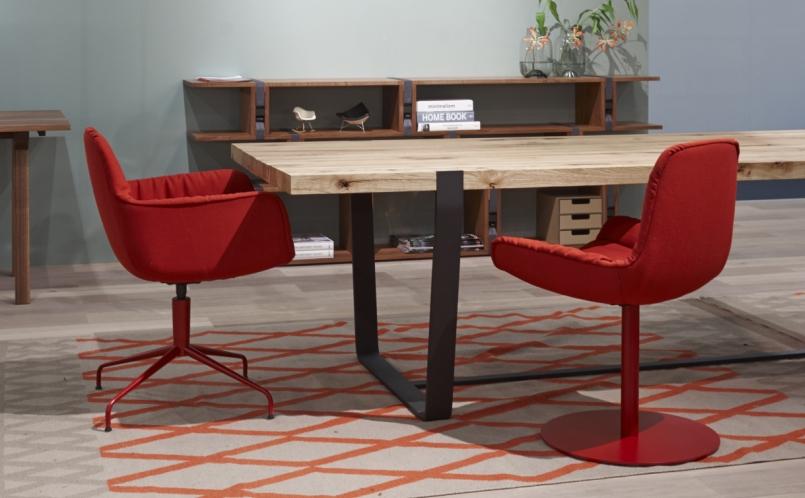 stuhl leya armchair freifrau marcus hansen m nchen. Black Bedroom Furniture Sets. Home Design Ideas