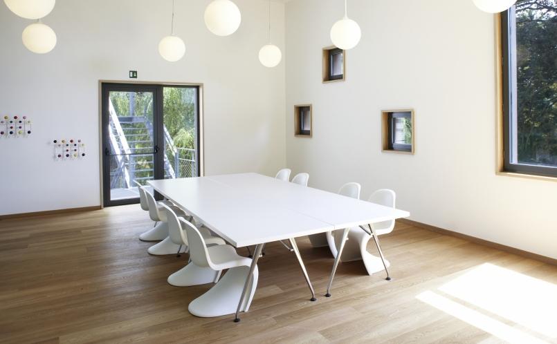 Privatwohnung Mit Vitra Und USM Haller Traditional Dining Room