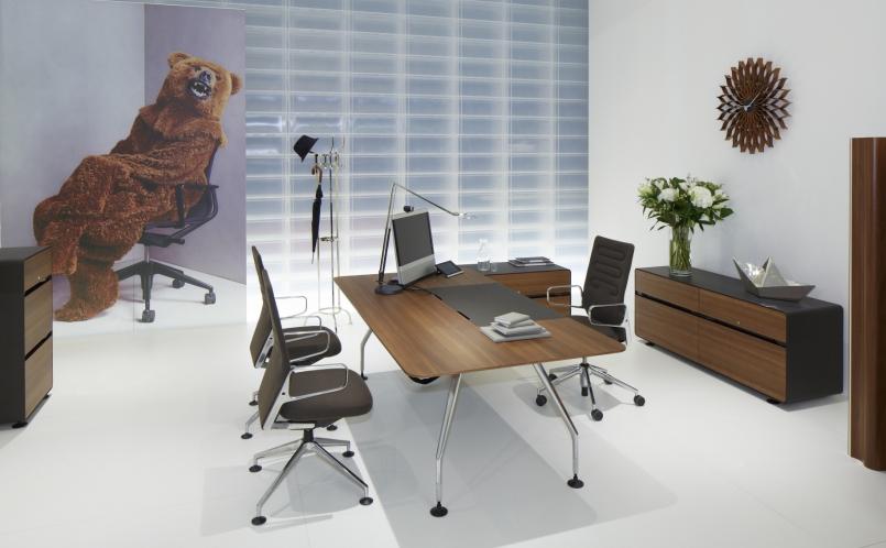schreibtisch ad hoc executive vitra marcus hansen m nchen. Black Bedroom Furniture Sets. Home Design Ideas